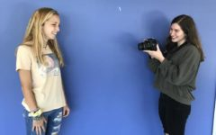 Photo Phenomenons: Juniors Katherine Mcwhirter and Zoey Glickman take photos for their new class