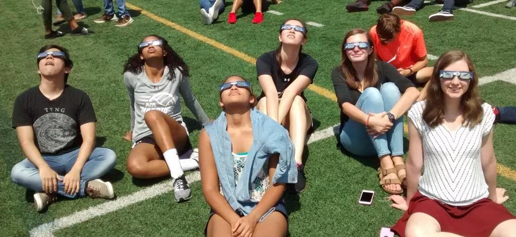 Students+safely+view+the+solar+eclipse+with+designated+glasses