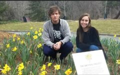 IB Students Honor Child Holocaust Victims With Daffodils