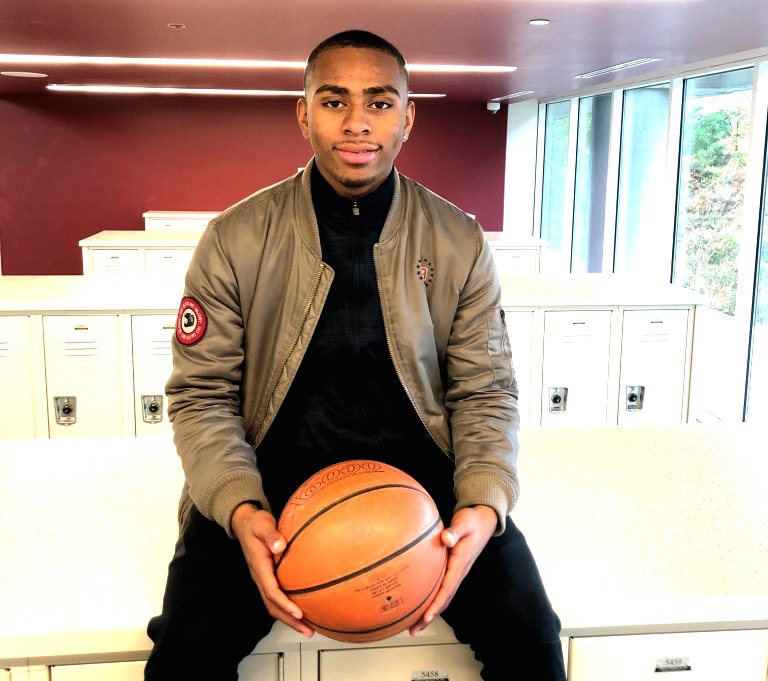 Thompson Commits to Play Collegiate Basketball