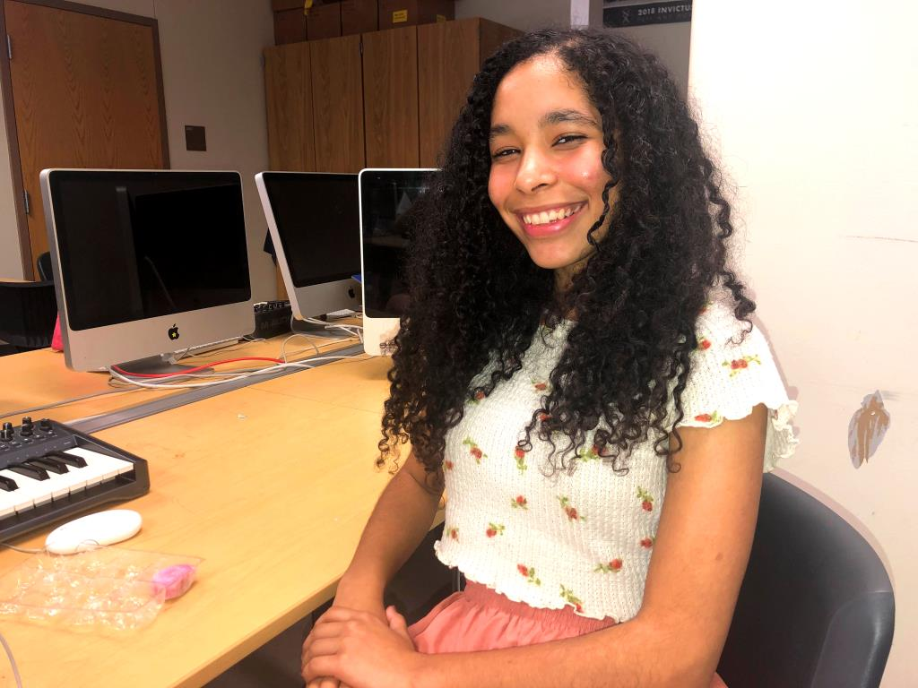 """Applying Pressure: """"What's your proudest achievement?"""" """"Describe yourself in three words?"""" """"And do all that in 35 words!"""" Senior Wire staffer Leah Overstreet is one of hundreds in our building navigating the treacherous – and tedious – college application gauntlet."""