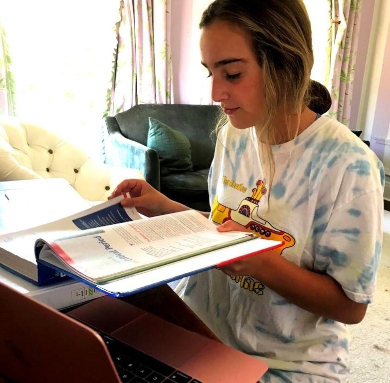 Home+School%3A+Like+so+many+of+her+freshman+peers%2C+freshman+Olivia+Granot+has+had+an+unorthodox+start+to+her+high+school+years.+