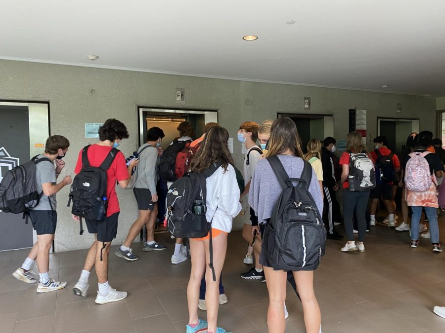 Superstars+Take+the+Stairs%3A+Junior+Tanner+Adams+outlines+the+paramount+rules+of+the+elevators+and+provides+crucial+advice+to+the+underclassmen.+If+its+five+floors+or+more%2C+hop+aboard.+If+its+four+or+less%2C+well%2C+its+a+good+day+for+cardio.