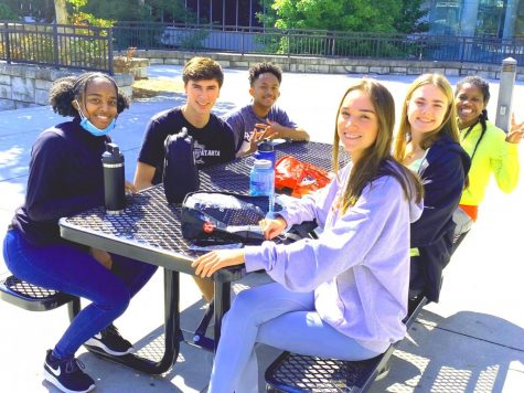 Delighted Dubs: Seniors Zoe Hall, Ava Tomlin, Kate Davis, Trinitii Baggett, Carl Alexander, and Curran Mitra know well of the benefits of their senior privileges, including daily outside lunch.