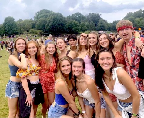 Bring the Beat Back: Delighted senior Dubs enjoy their time at Music Midtown after being away for nearly two years. The festival offered up performances by 30+ artists, delicious food, and a whole lot of fun!